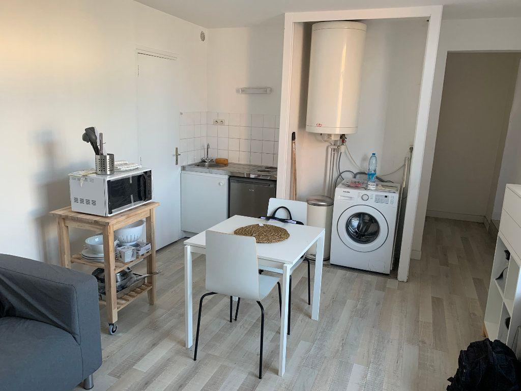Appartement à louer 2 27.67m2 à Valenciennes vignette-5