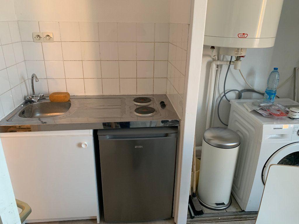 Appartement à louer 2 27.67m2 à Valenciennes vignette-6