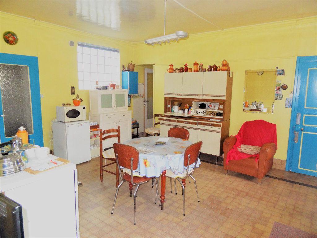 Maison à vendre 6 145m2 à Gommegnies vignette-4