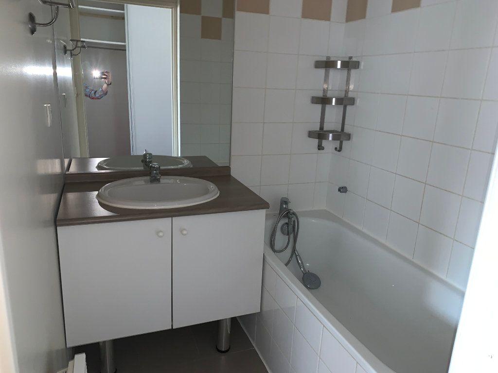 Appartement à louer 2 30.26m2 à Valenciennes vignette-7
