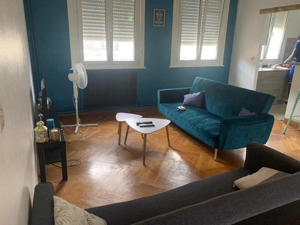 Appartement à louer 1 11.17m2 à Valenciennes vignette-2