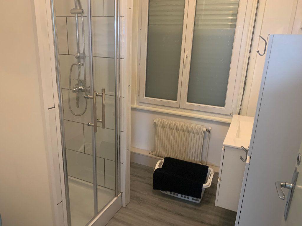 Appartement à louer 1 11.17m2 à Valenciennes vignette-9