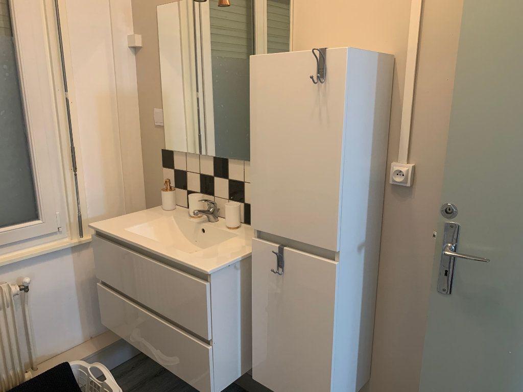 Appartement à louer 1 11.17m2 à Valenciennes vignette-10