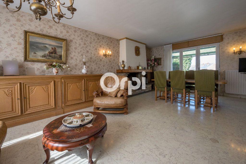 Maison à vendre 7 108m2 à Saint-Saulve vignette-3