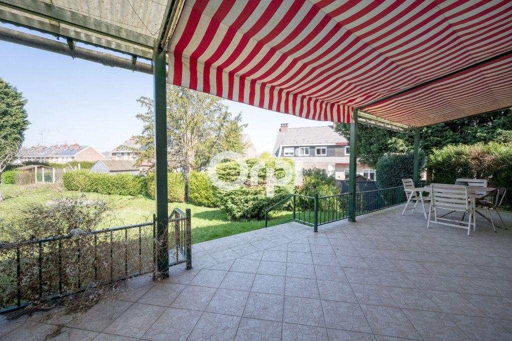 Maison à vendre 7 108m2 à Saint-Saulve vignette-6