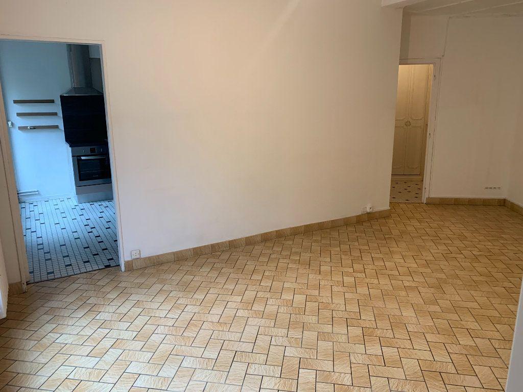 Appartement à louer 2 56.51m2 à Valenciennes vignette-5