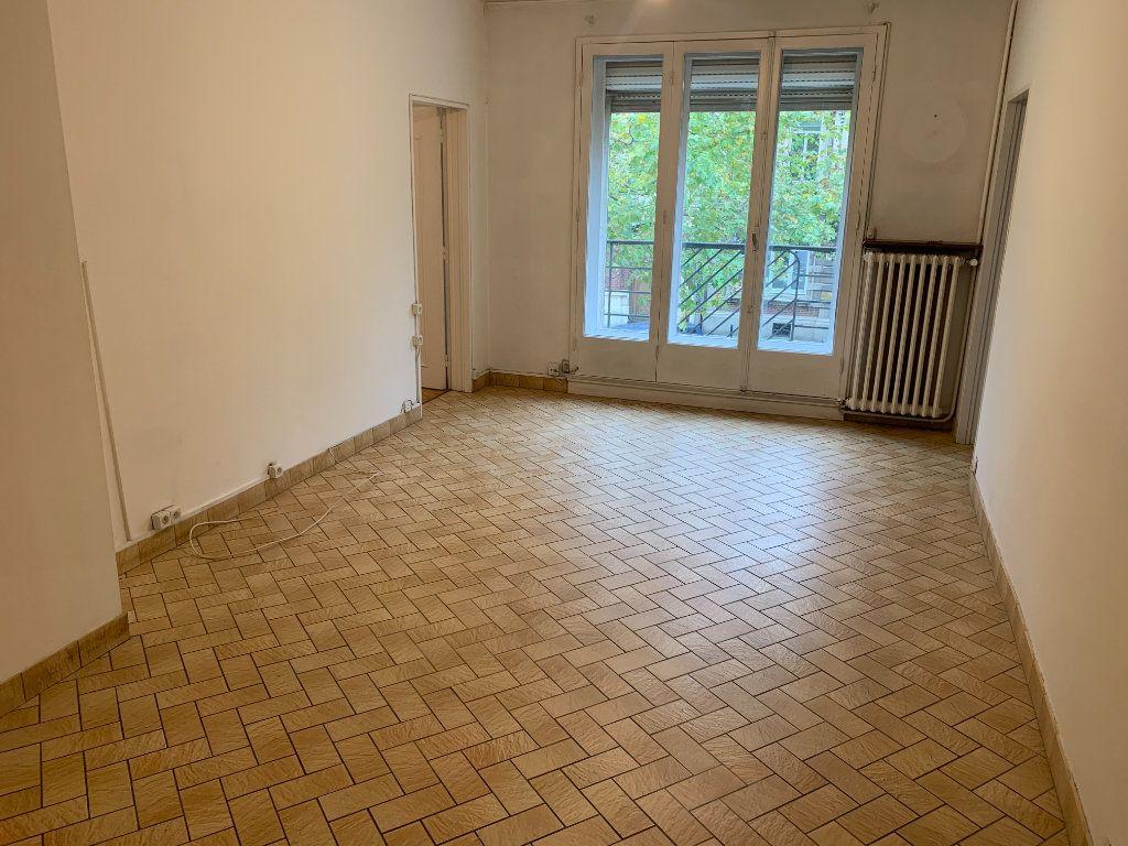 Appartement à louer 2 56.51m2 à Valenciennes vignette-7