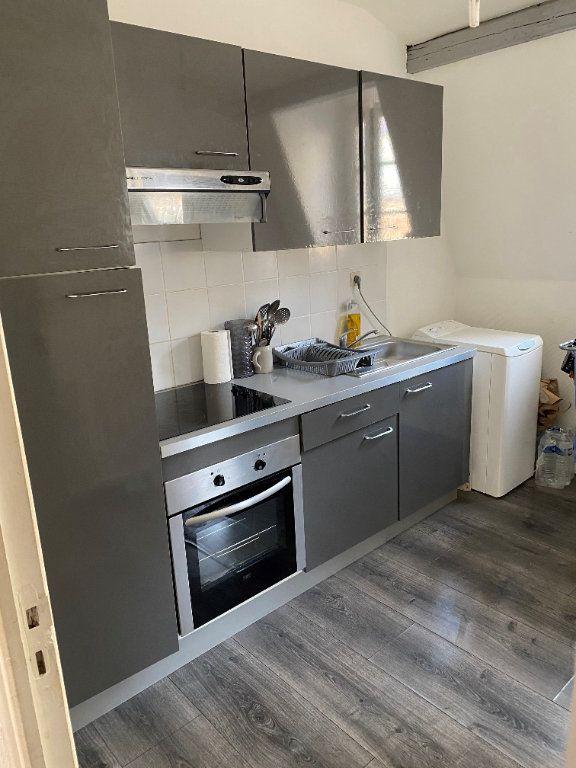 Appartement à louer 2 41.5m2 à Valenciennes vignette-2