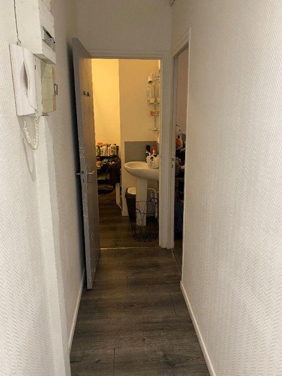 Appartement à louer 2 41.5m2 à Valenciennes vignette-6
