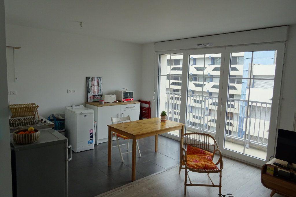 Appartement à louer 2 42.75m2 à Valenciennes vignette-2