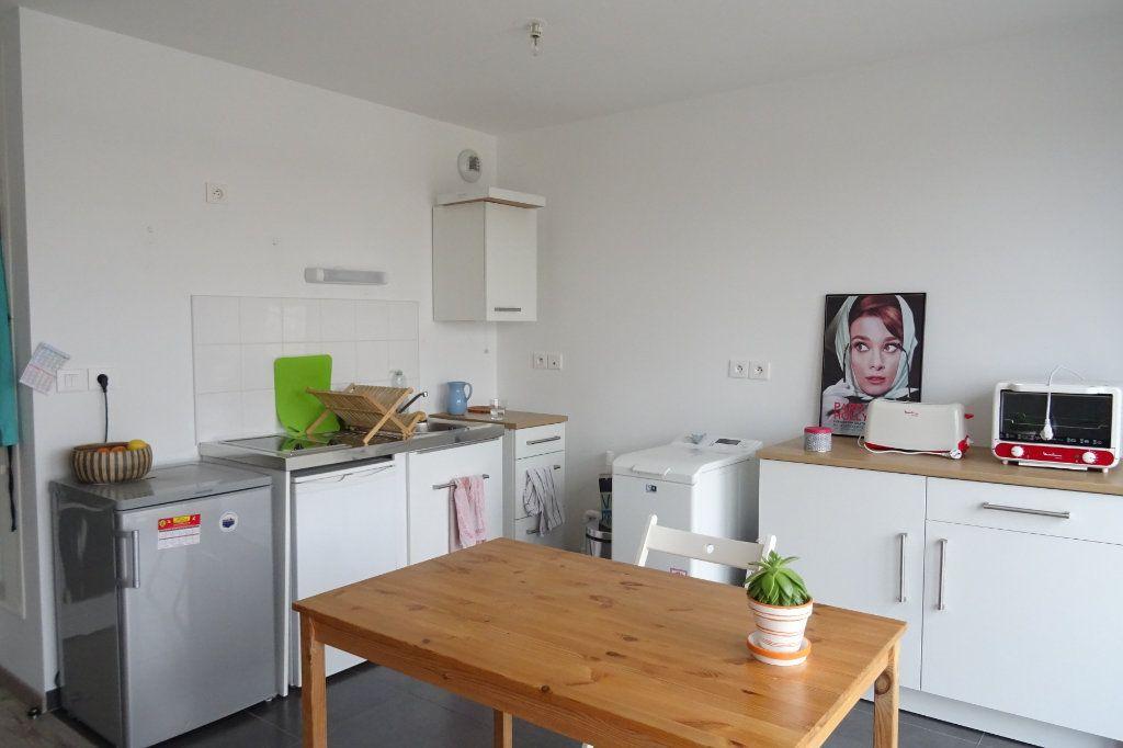 Appartement à louer 2 42.75m2 à Valenciennes vignette-3