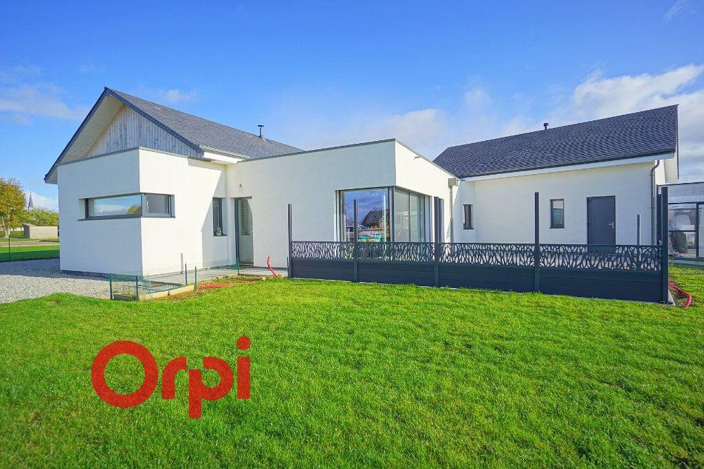 Maison à vendre 4 180m2 à Bernay vignette-1