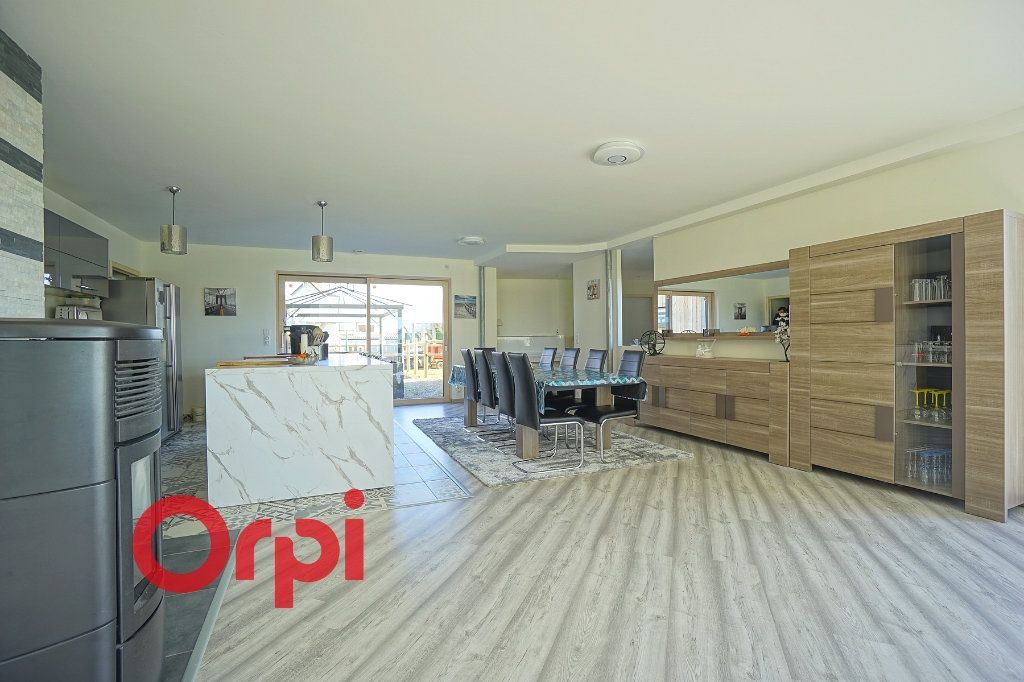 Maison à vendre 4 180m2 à Bernay vignette-3