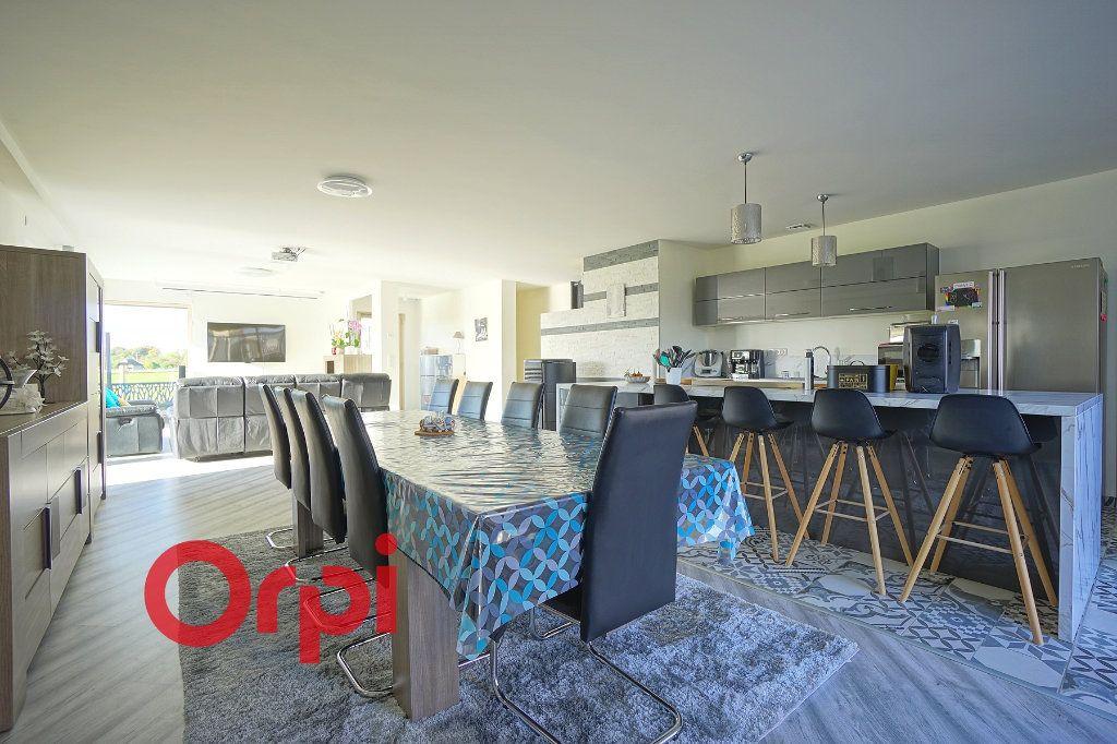 Maison à vendre 4 180m2 à Bernay vignette-5