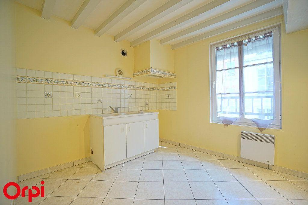 Appartement à louer 3 78.7m2 à Bernay vignette-2