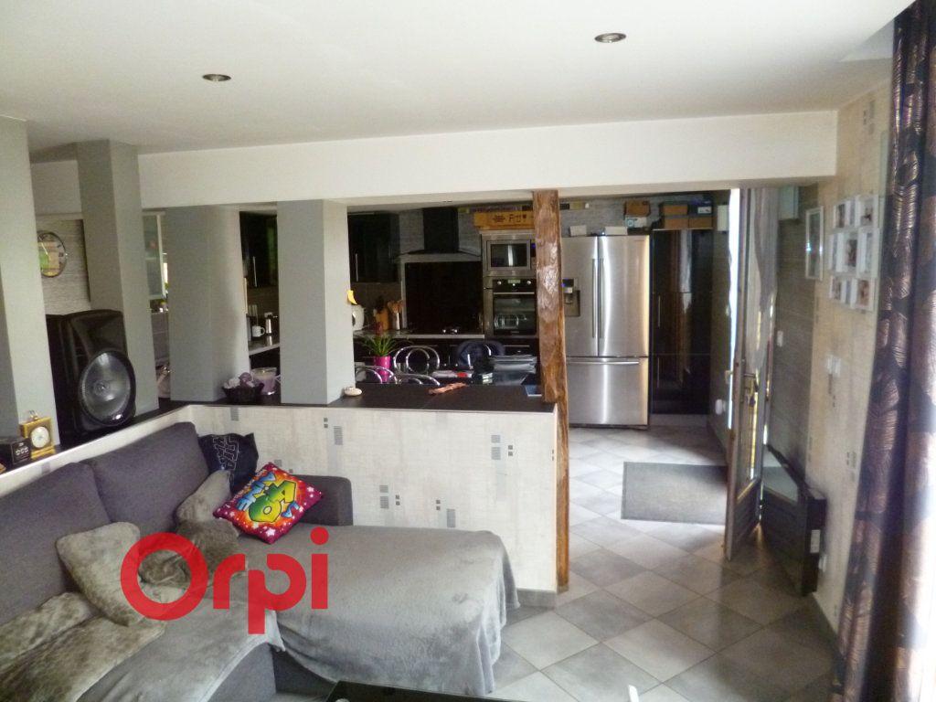 Maison à vendre 5 100m2 à Freneuse-sur-Risle vignette-4