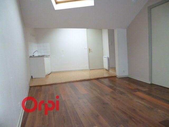 Appartement à louer 2 40.86m2 à Bernay vignette-1