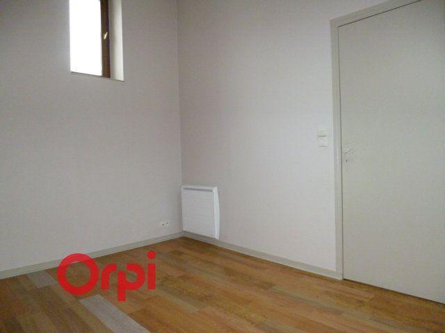 Appartement à louer 2 40.86m2 à Bernay vignette-4