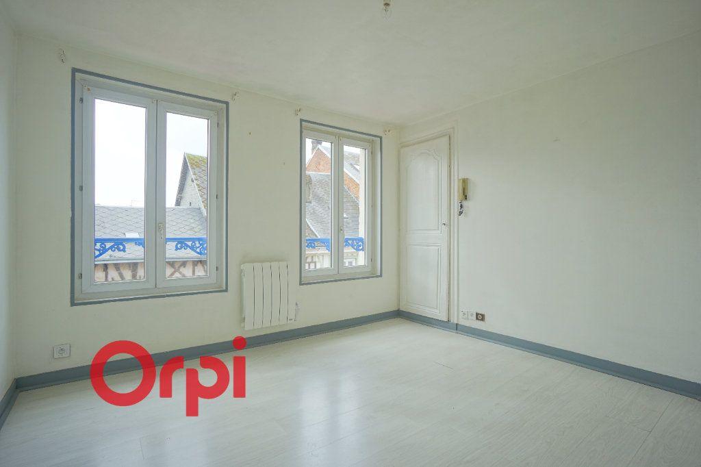 Appartement à louer 3 52.61m2 à Bernay vignette-1