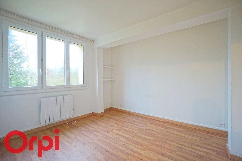 Appartement à louer 3 57.32m2 à Bernay vignette-3
