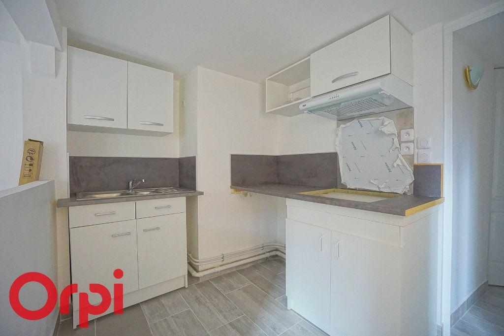 Appartement à louer 3 44.38m2 à Bernay vignette-2