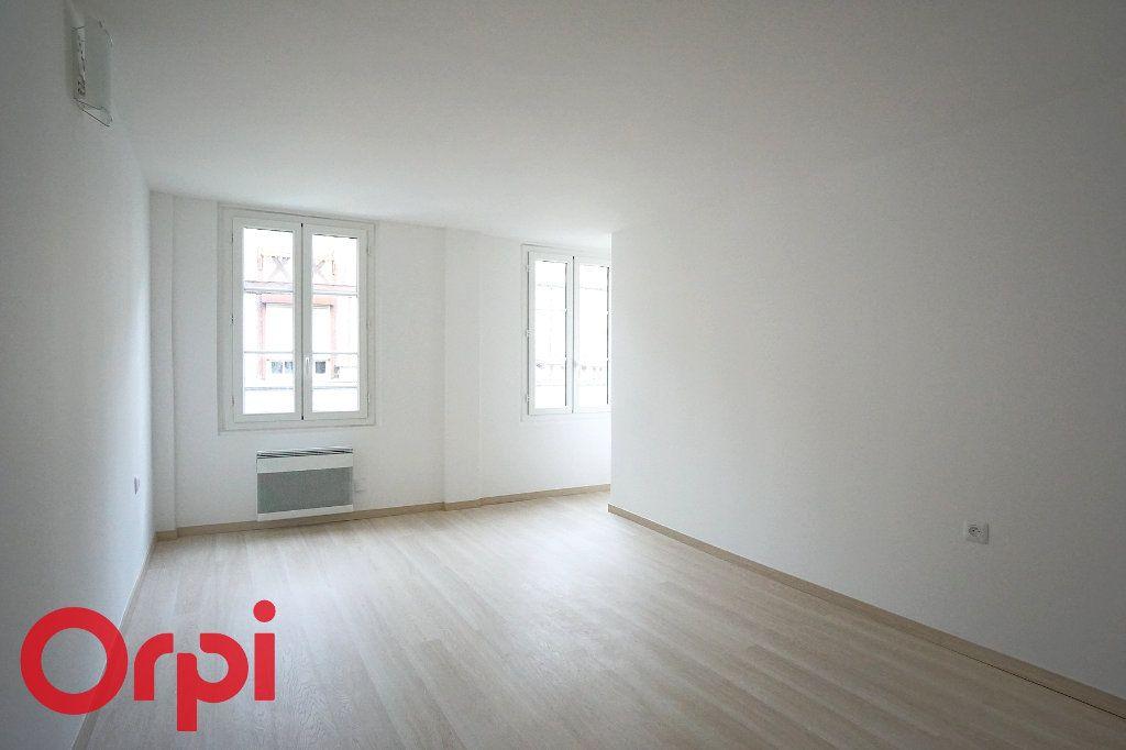 Appartement à louer 3 44.38m2 à Bernay vignette-3