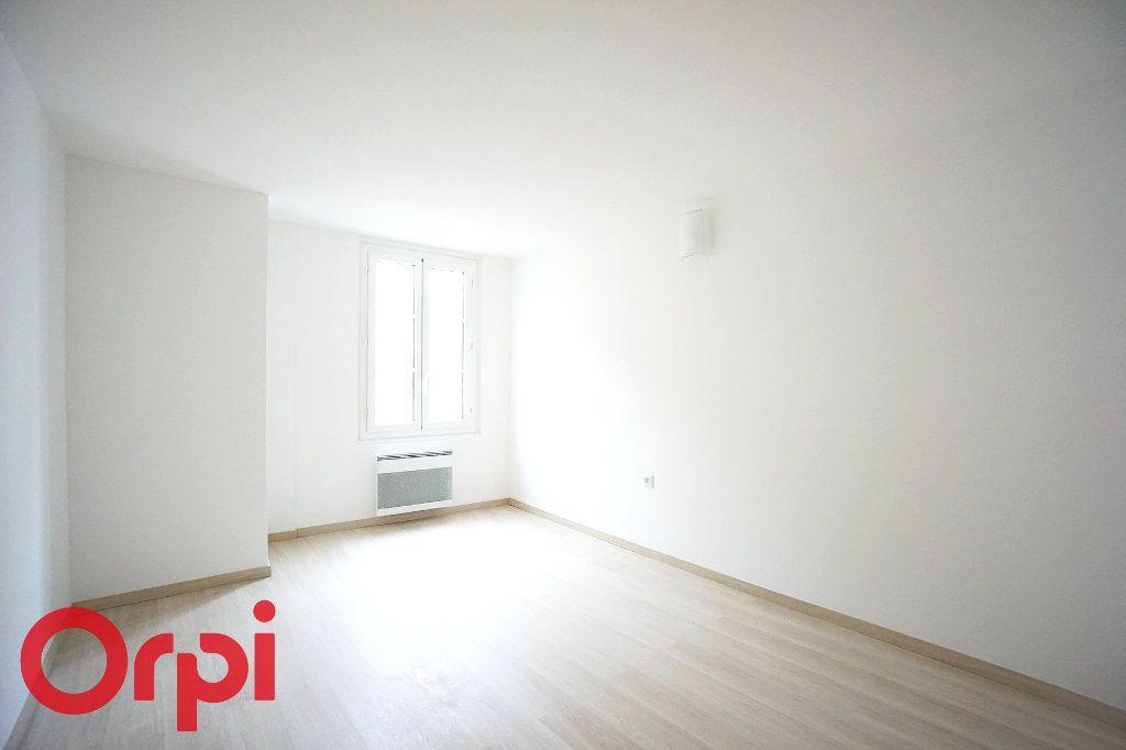 Appartement à louer 3 44.38m2 à Bernay vignette-5