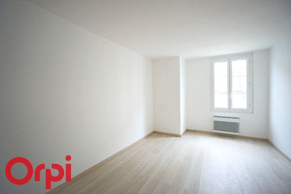 Appartement à louer 3 44.38m2 à Bernay vignette-6