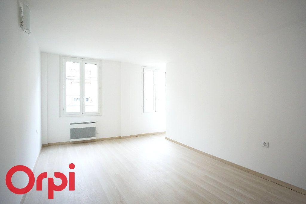 Appartement à louer 3 44.38m2 à Bernay vignette-7