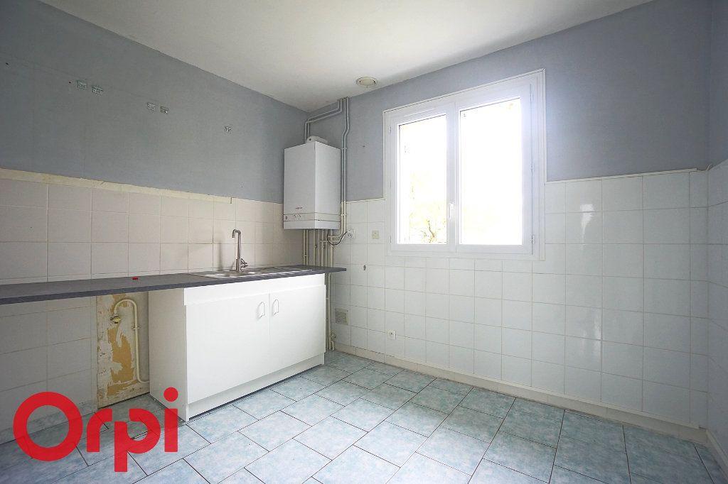 Maison à louer 5 94.74m2 à Ivry-la-Bataille vignette-6