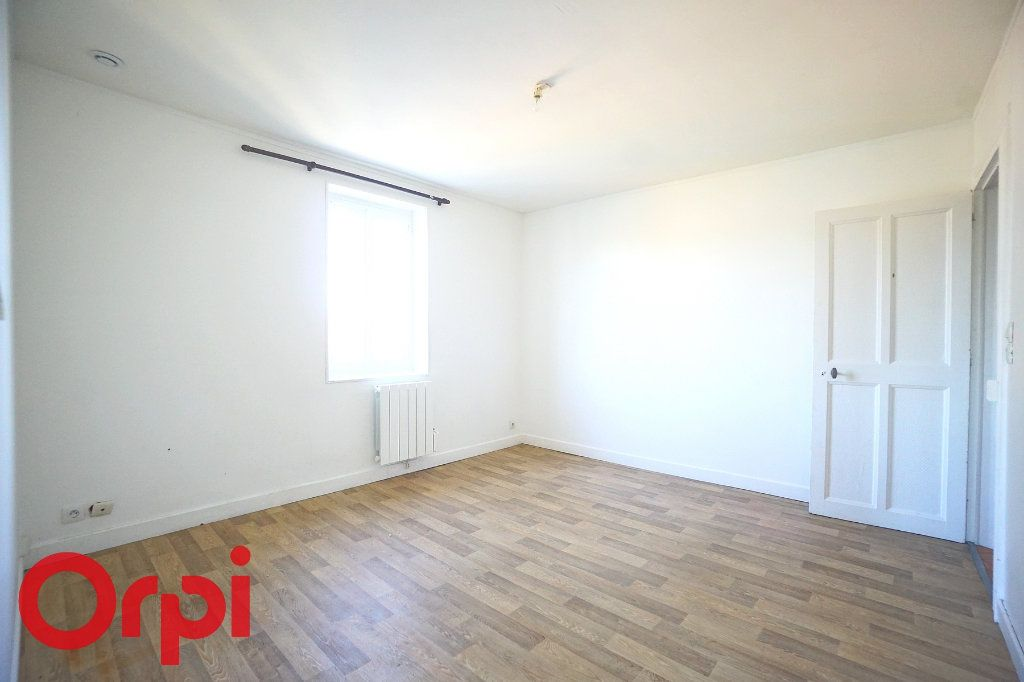 Appartement à louer 3 54.1m2 à Thiberville vignette-3