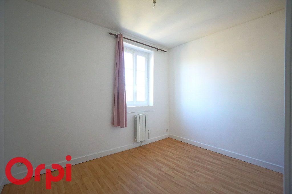 Appartement à louer 3 54.1m2 à Thiberville vignette-4