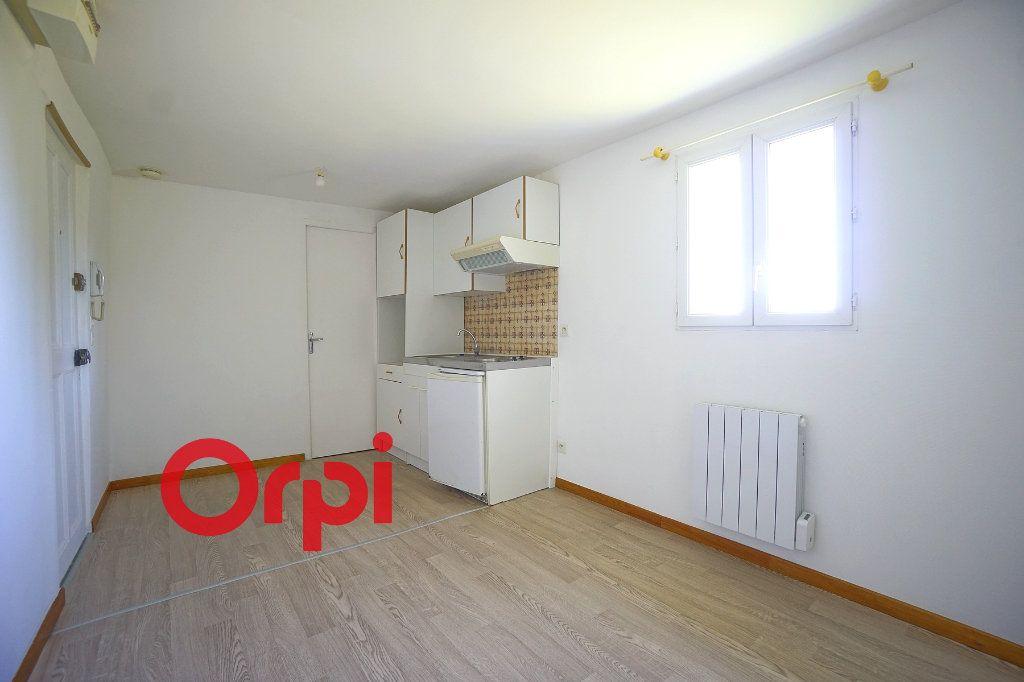 Appartement à louer 2 24.74m2 à Thiberville vignette-1