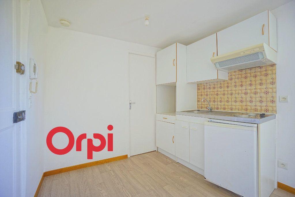 Appartement à louer 2 24.74m2 à Thiberville vignette-6