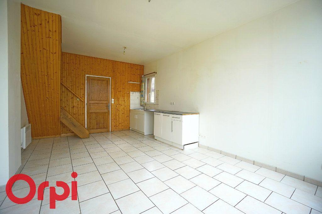 Appartement à louer 3 45.72m2 à La Barre-en-Ouche vignette-2