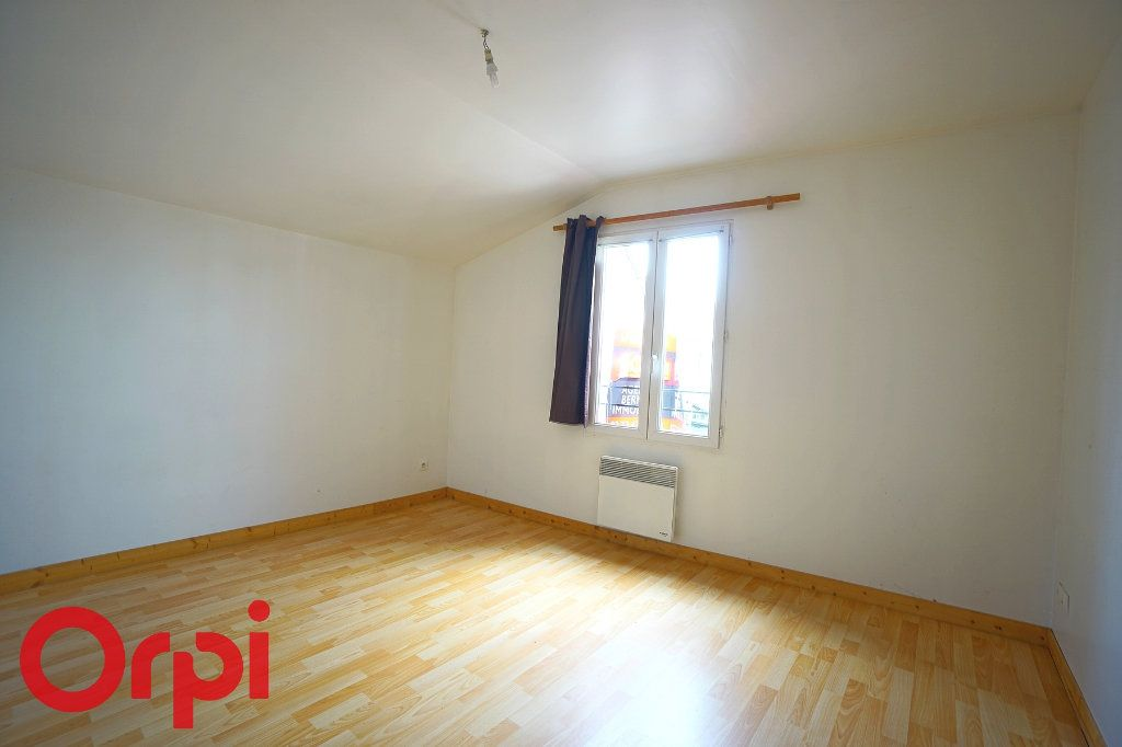 Appartement à louer 3 45.72m2 à La Barre-en-Ouche vignette-5