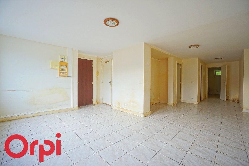 Appartement à vendre 3 64m2 à Bernay vignette-3