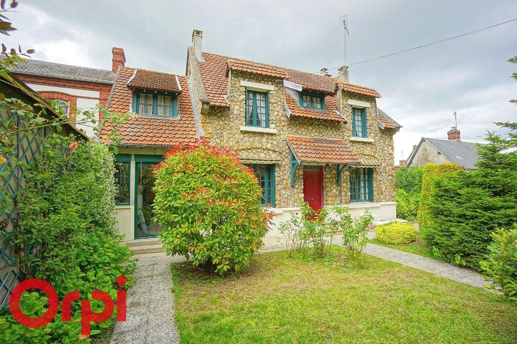 Maison à vendre 7 135m2 à Bernay vignette-2