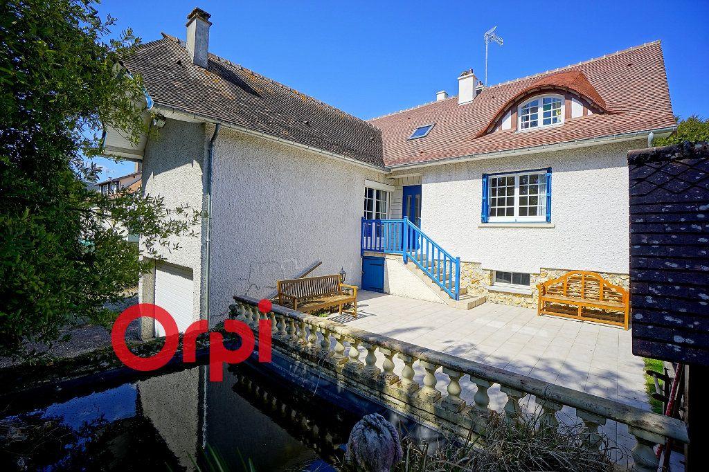 Maison à vendre 5 125m2 à Bernay vignette-1