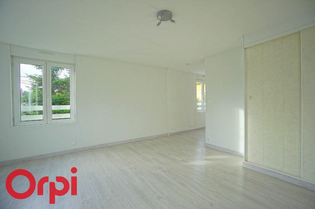 Appartement à louer 1 26.07m2 à Bernay vignette-6