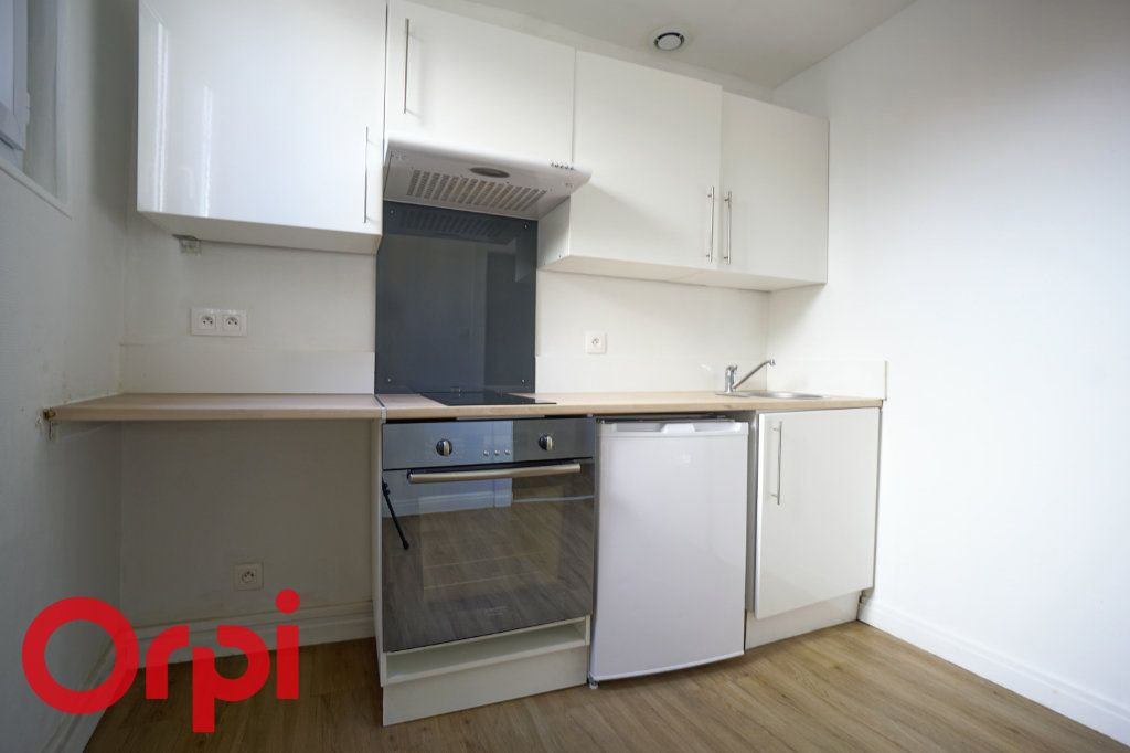 Appartement à louer 1 25.99m2 à Bernay vignette-4