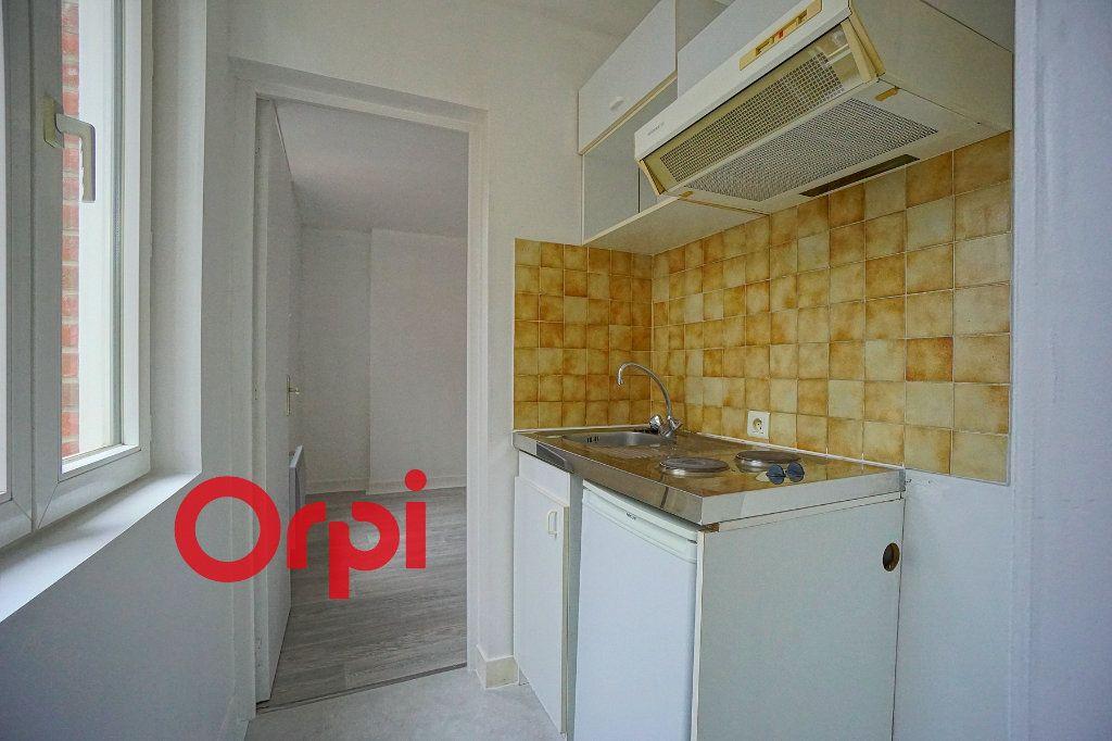 Appartement à louer 2 28.02m2 à Bernay vignette-2