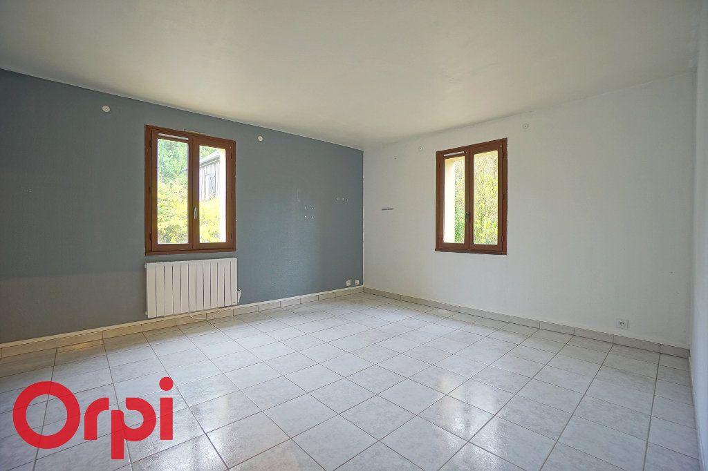 Appartement à louer 3 57.32m2 à Bernay vignette-1