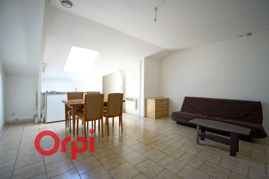 Appartement à louer 1 25.96m2 à Bernay vignette-1