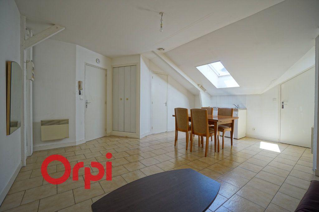 Appartement à louer 1 25.96m2 à Bernay vignette-2