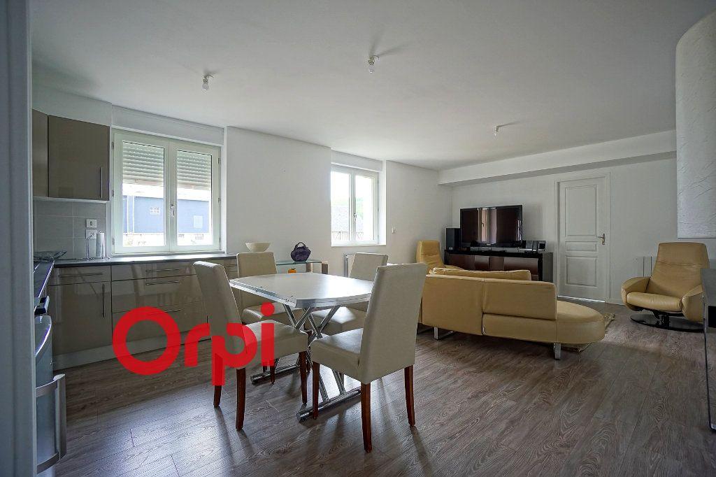 Appartement à louer 4 80.3m2 à Bernay vignette-2