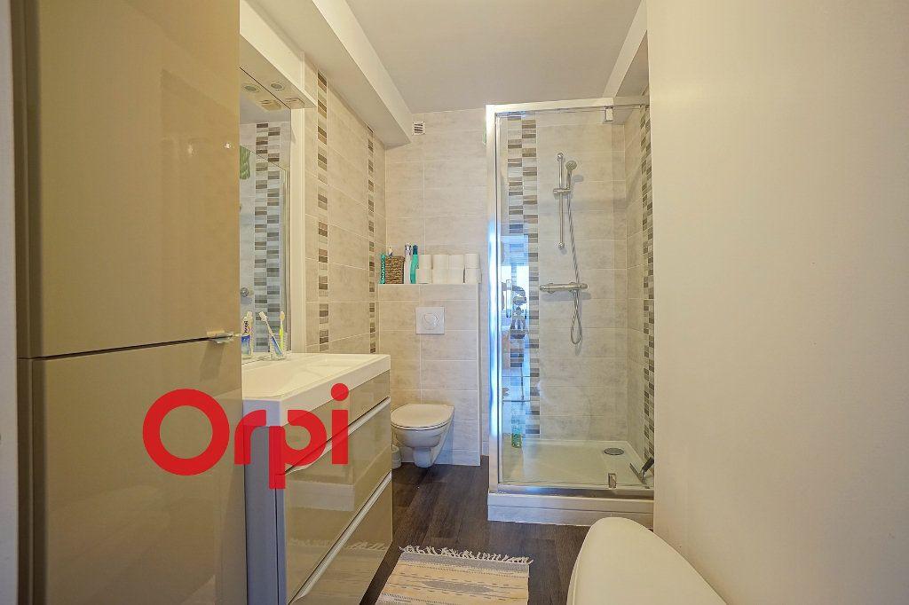 Appartement à louer 4 80.3m2 à Bernay vignette-6
