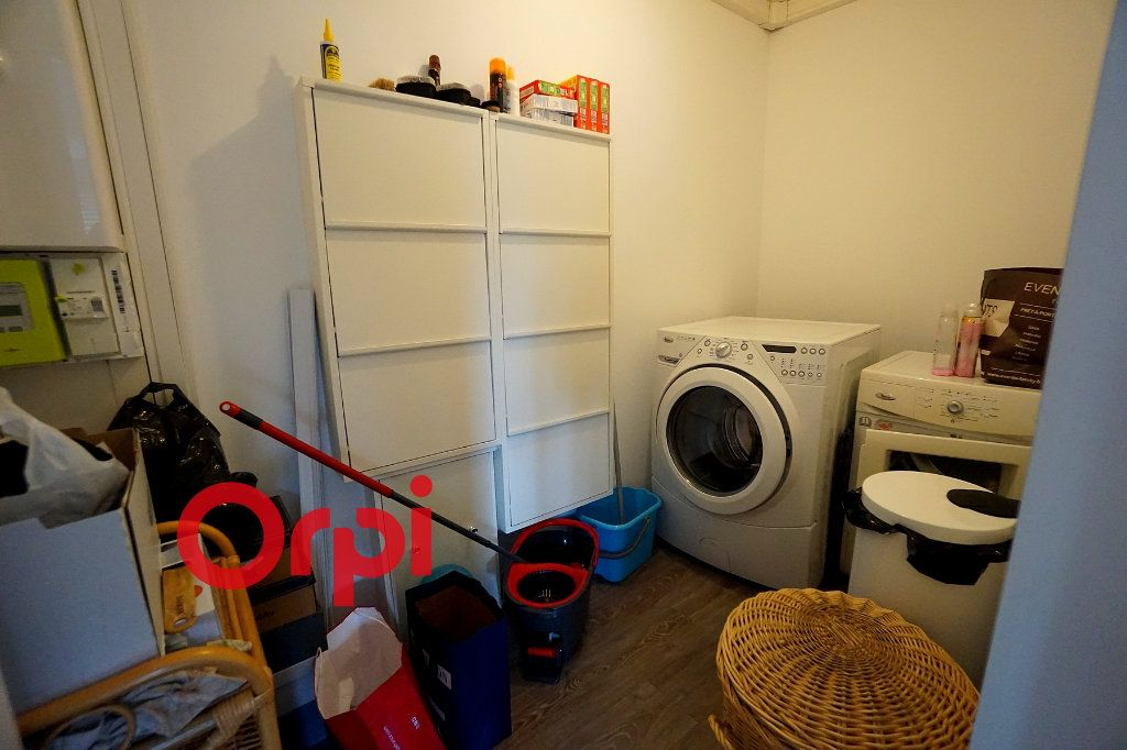 Appartement à louer 4 80.3m2 à Bernay vignette-9