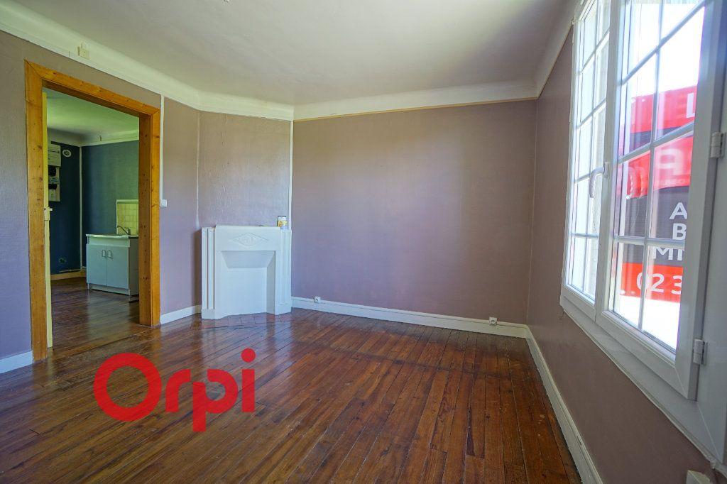 Appartement à louer 3 66.31m2 à Brionne vignette-1