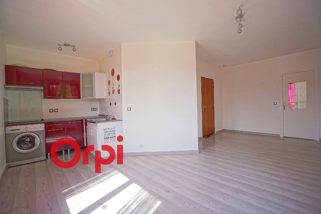 Appartement à louer 2 36m2 à Bernay vignette-2